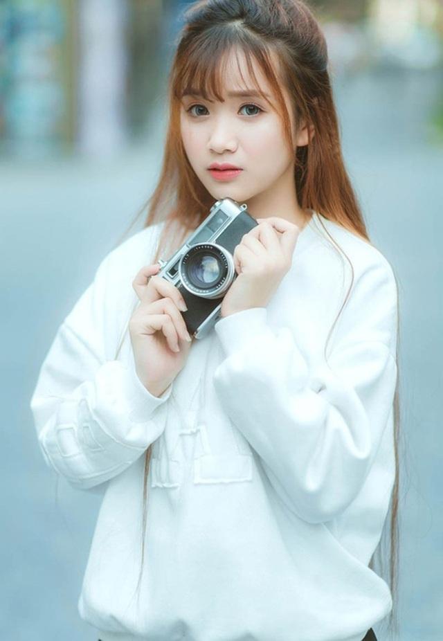 Thiếu nữ Phú Thọ đẹp như sương mai trong trang phục áo dài - 1