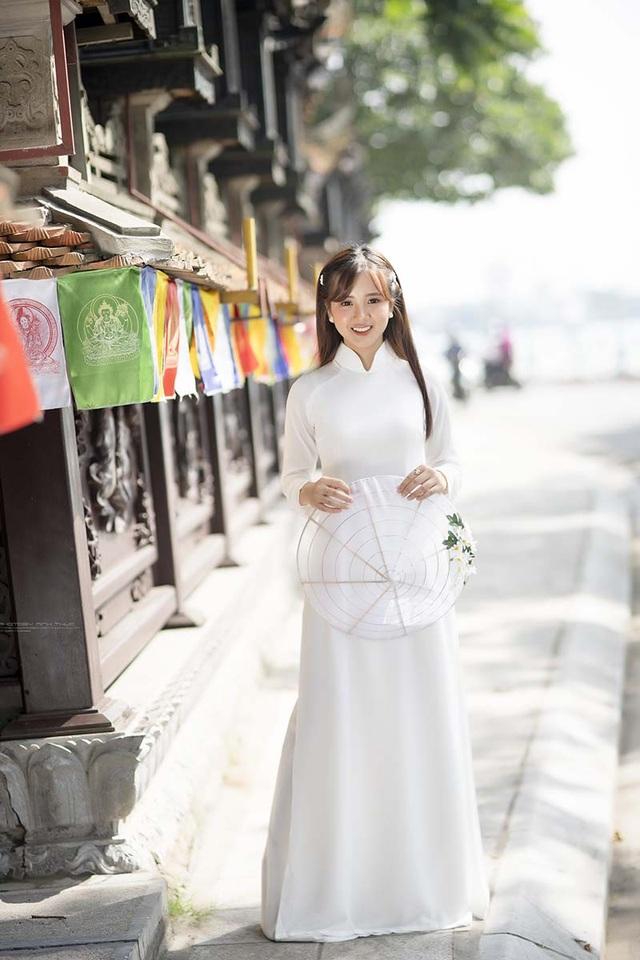 Thiếu nữ Phú Thọ đẹp như sương mai trong trang phục áo dài - 2