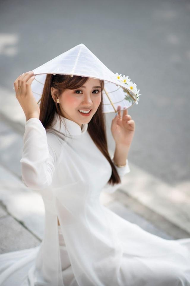 Thiếu nữ Phú Thọ đẹp như sương mai trong trang phục áo dài - 6
