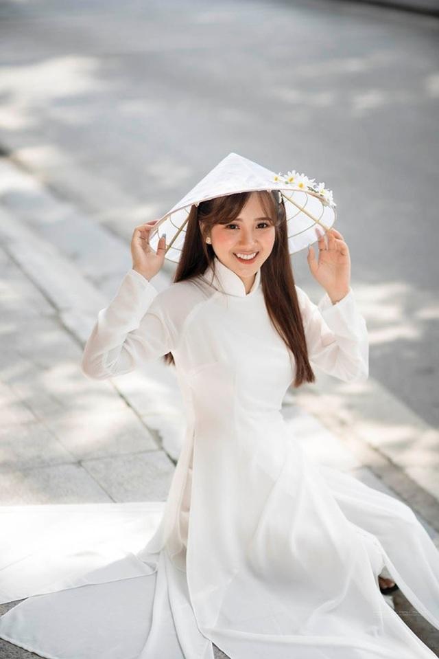 Thiếu nữ Phú Thọ đẹp như sương mai trong trang phục áo dài - 4