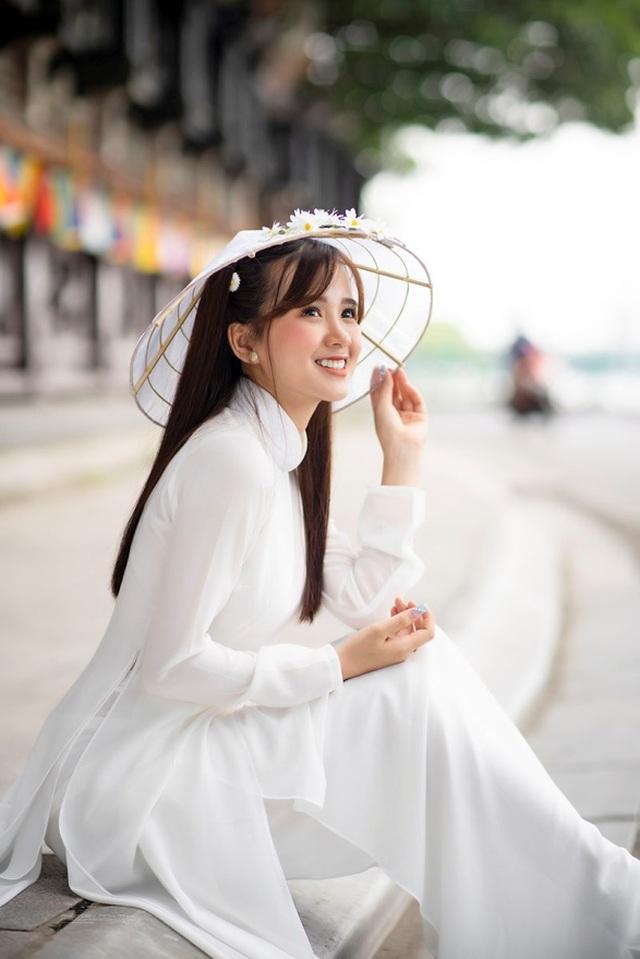 Thiếu nữ Phú Thọ đẹp như sương mai trong trang phục áo dài - 8