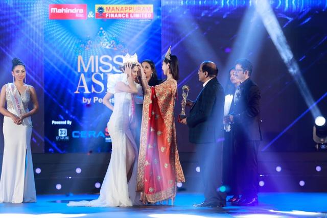 Yến Trang rạng rỡ đăng quang Hoa hậu Châu Á 2019 - 3