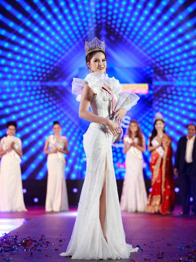 Yến Trang rạng rỡ đăng quang Hoa hậu Châu Á 2019 - 4