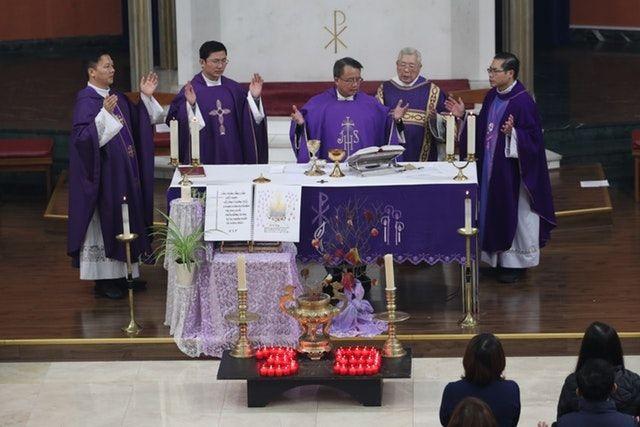 Cộng đồng người Việt tại Anh làm lễ cầu nguyện cho 39 người chết - 1