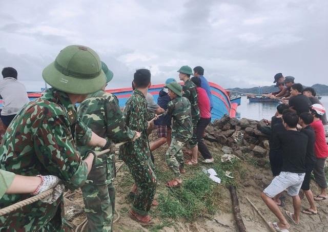 Phú Yên: Bộ đội giúp dân sửa chữa nhà cửa…ổn định cuộc sống sau bão số 5 - 5