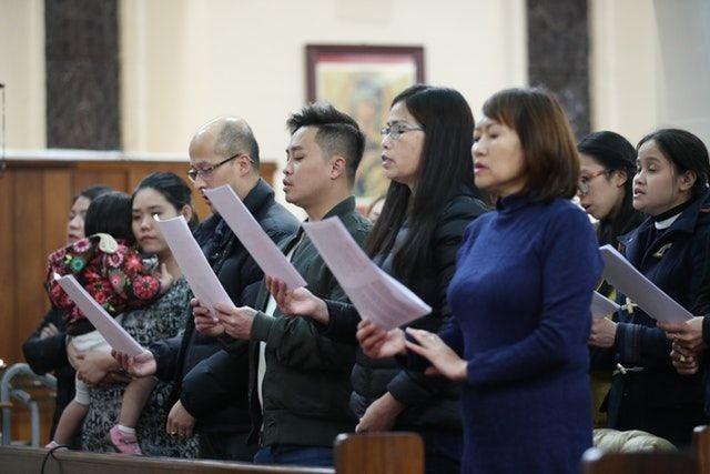 Cộng đồng người Việt tại Anh làm lễ cầu nguyện cho 39 người chết - 2