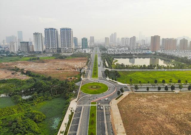 Tuyến đường huyết mạch nối 3 quận nội thành Hà Nội ngập trong rác thải - 13