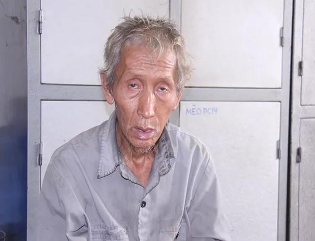 Ông lão gần 70 tuổi dùng gậy đánh chết con riêng của vợ - 1