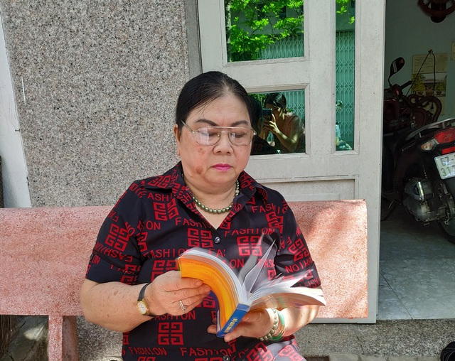 Nữ sinh viên 63 tuổi đến trường học Luật để tư vấn miễn phí giúp người nghèo - 3