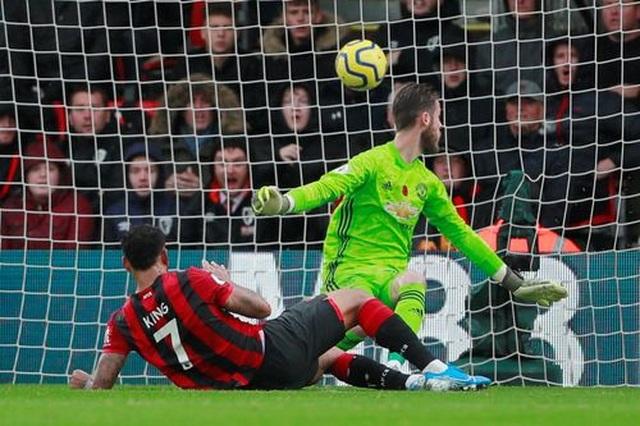 Nhìn lại trận thua tệ hại của Man Utd trên sân Bournemouth - 12
