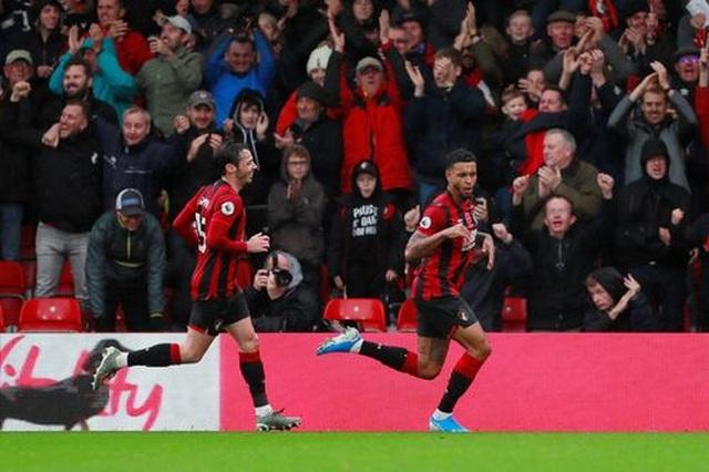 Nhìn lại trận thua tệ hại của Man Utd trên sân Bournemouth - 13