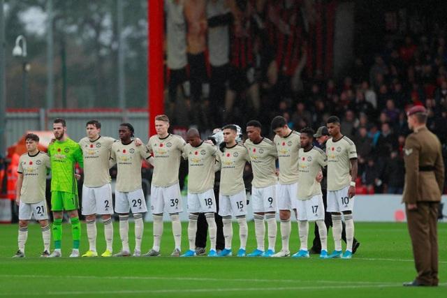 Nhìn lại trận thua tệ hại của Man Utd trên sân Bournemouth - 4