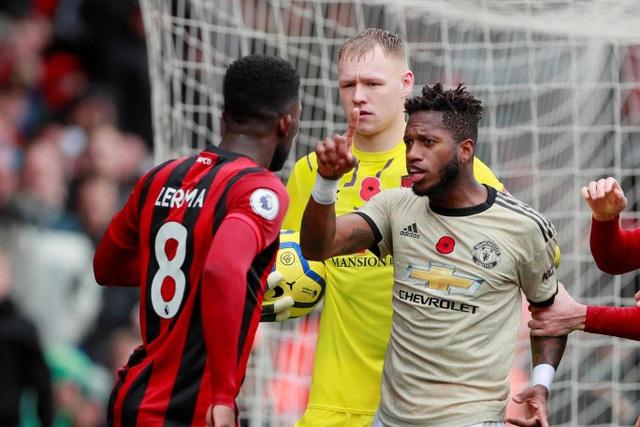 Nhìn lại trận thua tệ hại của Man Utd trên sân Bournemouth - 10