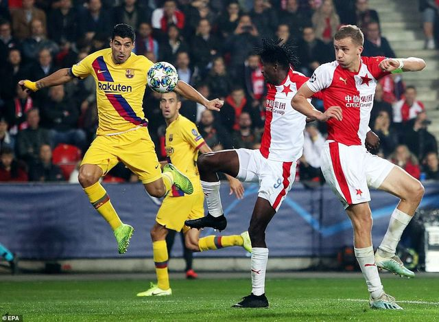Vượt qua cú sốc thua Levante, Barcelona tiến bước ở Champions League? - 3