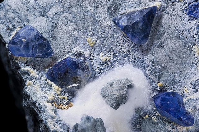 Lộ diện 16 viên đá quý hiếm nhất thế giới - 6