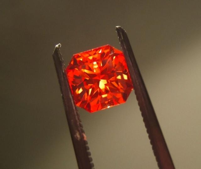 Lộ diện 16 viên đá quý hiếm nhất thế giới - 8