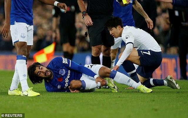 Son Heung Min bật khóc sau khi làm gãy cổ chân cầu thủ Everton - 4