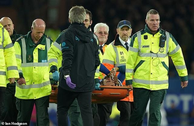 Son Heung Min bật khóc sau khi làm gãy cổ chân cầu thủ Everton - 6