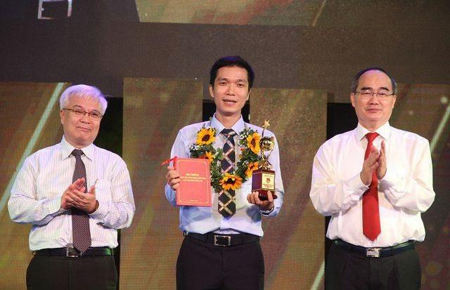 Tiến sĩ Quả cầu vàng làm Phó chủ tịch Hội Liên hiệp Thanh niên TPHCM - 3