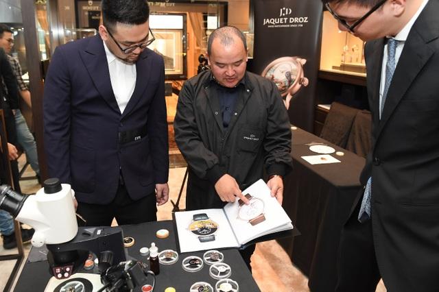 Jaquet Droz ra mắt đồng hồ Vịnh Hạ Long độc bản tại workshop nghệ thuật tiểu họa - 6