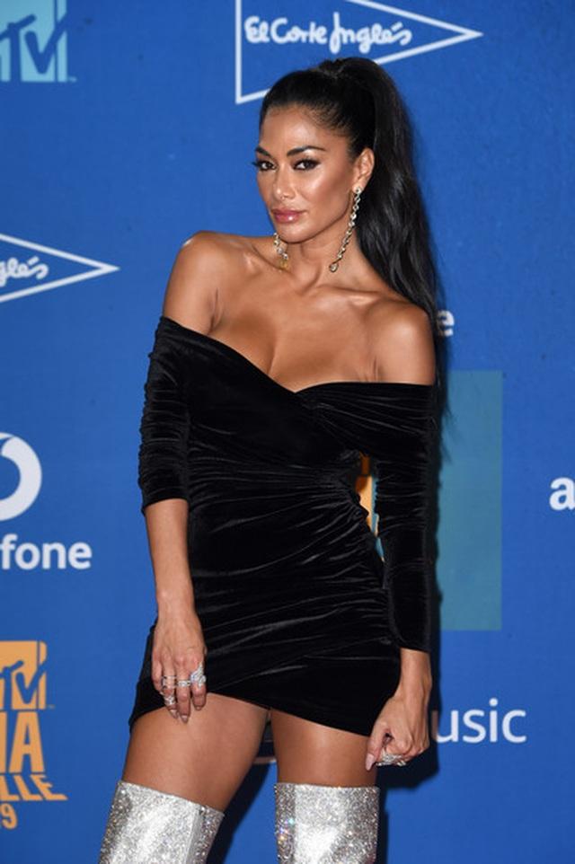 Ca sĩ Nicole Scherzinger đẹp bốc lửa ở tuổi 41 - 6