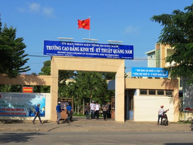 Hiệu trưởng Trường CĐ Kinh tế-Kỹ thuật Quảng Nam bất ngờ xin nghỉ việc