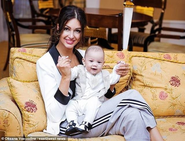 Cựu vương Malaysia nói cưới người đẹp Nga là sai lầm lớn nhất của cuộc đời - 2