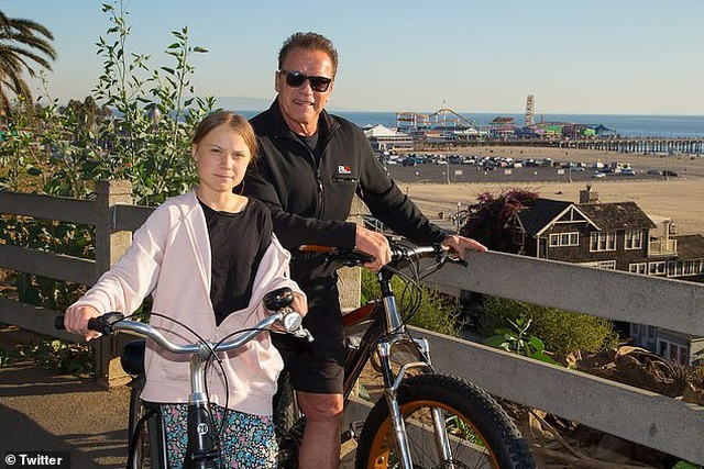 """Cô gái 16 tuổi khiến Leonardo DiCaprio và Arnold Schwarzenegger """"xếp hàng"""" chờ gặp - 4"""