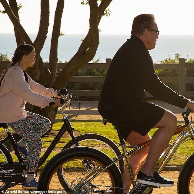 """Cô gái 16 tuổi khiến Leonardo DiCaprio và Arnold Schwarzenegger """"xếp hàng"""" chờ gặp - 5"""