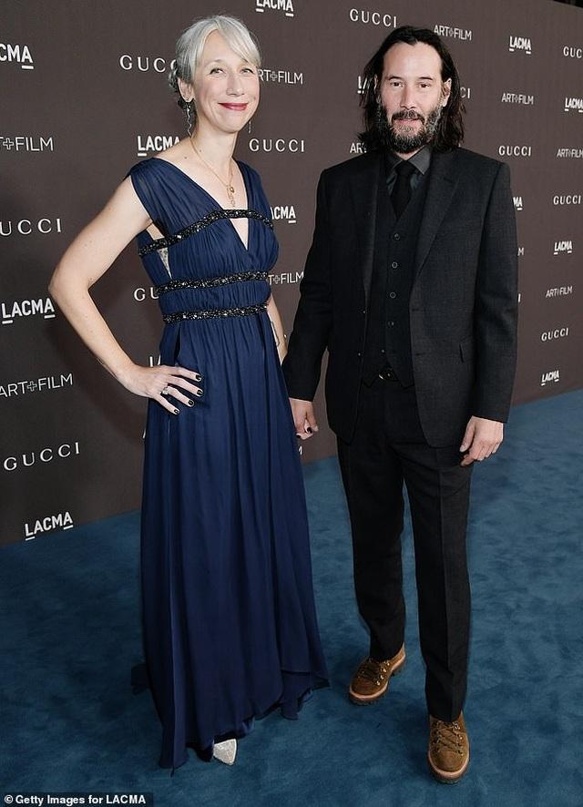Người phụ nữ có thể khiến Keanu Reeves nắm tay trên thảm đỏ là ai? - 5