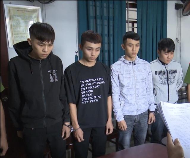 4 sinh viên rủ nhau cướp tài sản của người đi đường - 1