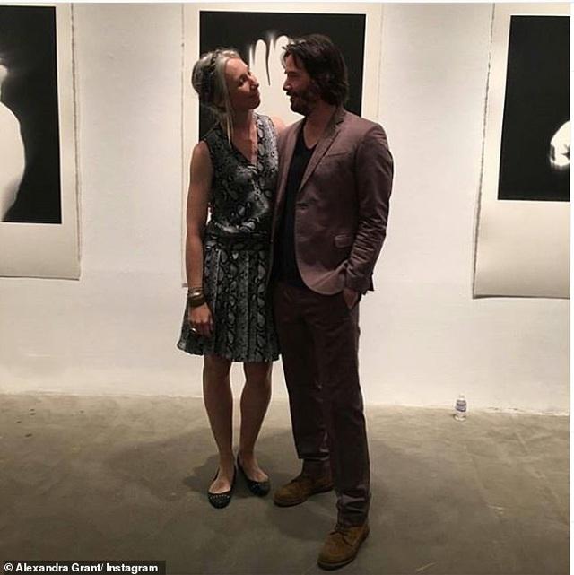 Người phụ nữ có thể khiến Keanu Reeves nắm tay trên thảm đỏ là ai? - 7