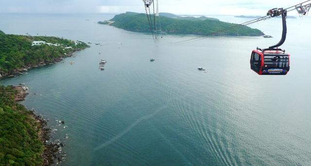 Trải nghiệm cáp treo vượt biển dài nhất thế giới ở Phú Quốc - 11