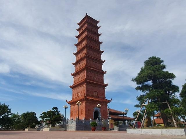 Độc đáo Tháp cổ nghìn năm tuổi trên đỉnh núi Ngọc - 2