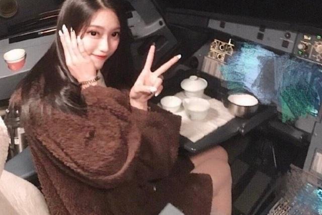 Bức ảnh của nữ sinh viên khiến phi công Trung Quốc bị cấm bay trọn đời - 1