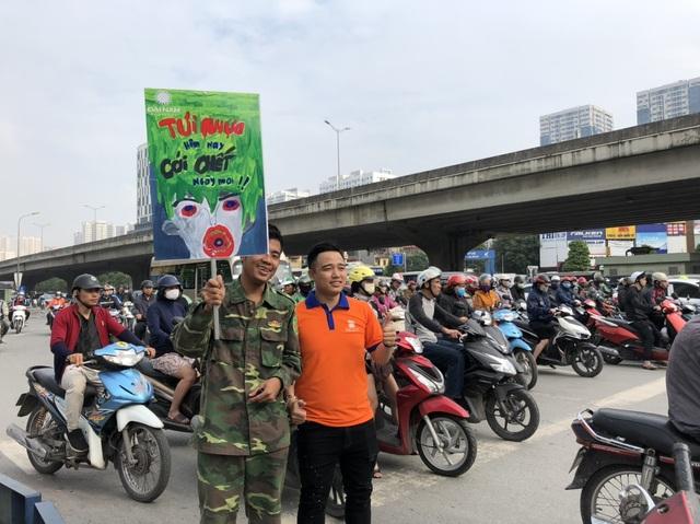 """Hàng trăm giảng viên, sinh viên xuống đường """"Vì Hà Nội trong lành"""" - 3"""