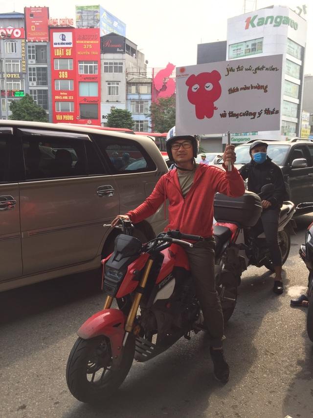 """Hàng trăm giảng viên, sinh viên xuống đường """"Vì Hà Nội trong lành"""" - 5"""