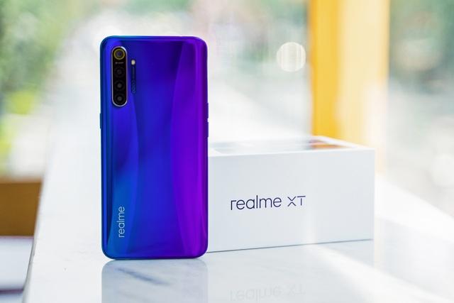 Mở hộp Realme XT với camera 64 chấm chuẩn bị bán tại Việt Nam - 3