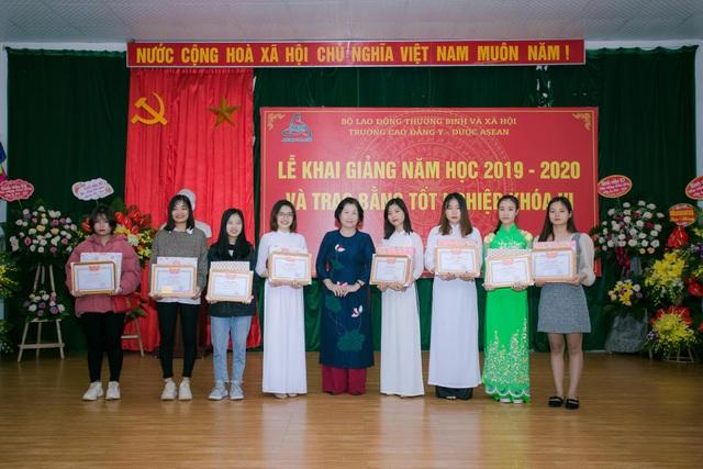 Trường Cao đẳng Y Dược Asean khai giảng năm học mới - 2