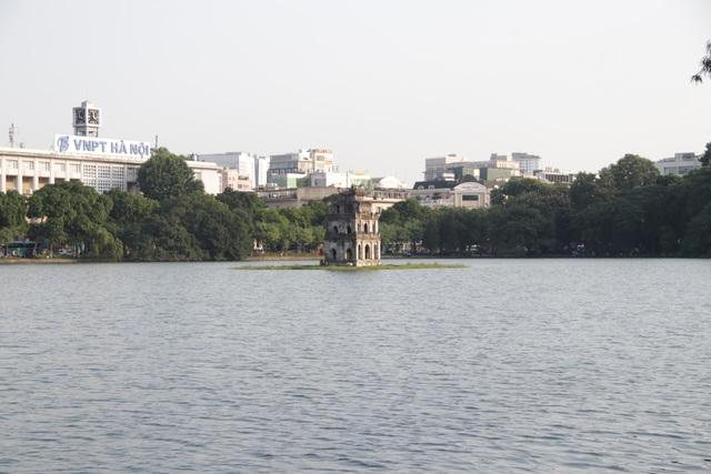 Chiếc đồng hồ khổng lồ bị bỏ quên bên hồ Hoàn Kiếm - 13