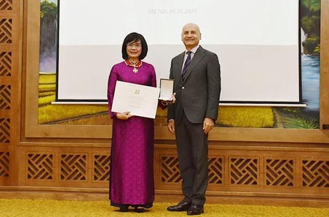 Thứ trưởng Bộ Tư pháp được Tổng thống Italia trao tặng Huân chương Công trạng - 1