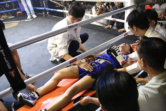 Nữ võ sĩ Việt Nam khiến đối thủ Thái Lan nhập viện cấp cứu chỉ sau 16 giây - 1