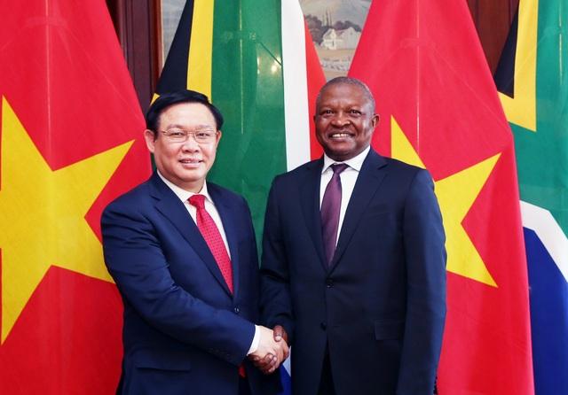 Việt Nam muốn mở chi nhánh ngân hàng thương mại tại Nam Phi - 1