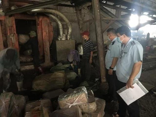 Gần nửa tấn chả mực nhập lậu từ Trung Quốc về Quảng Ninh - 1