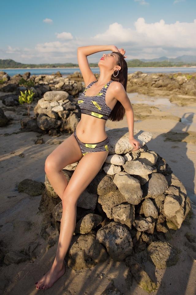 Hoa hậu Du lịch Quốc tế 2019 diện bikini khoe dáng   - 5