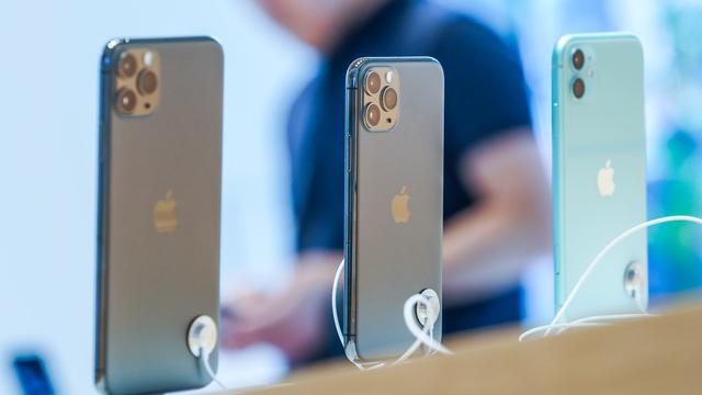 iPhone 11 chính hãng tiếp tục gây sốt, mỗi giờ có thể bán 400 máy - 2