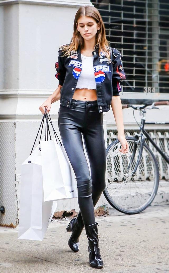 """Con gái siêu mẫu Cindy Crawford hẹn hò """"tình cũ"""" của Ariana Grande - 7"""