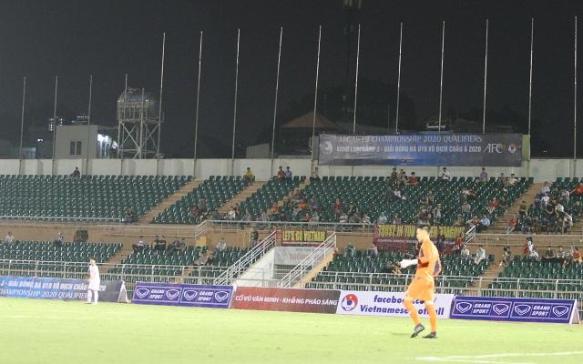 Khán đài sân Thống Nhất vắng vẻ trong ngày U19 Việt Nam thắng đậm Mông Cổ - 2