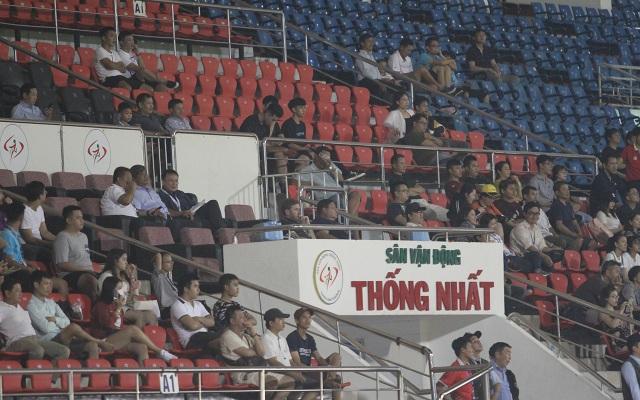 Khán đài sân Thống Nhất vắng vẻ trong ngày U19 Việt Nam thắng đậm Mông Cổ - 1