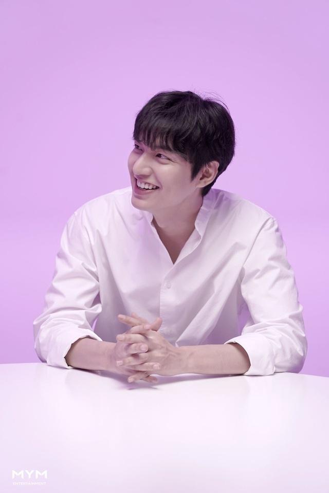 """Lee Min Ho """"đốn tim"""" người hâm mộ với vẻ ngoài """"cực phẩm"""" - 13"""